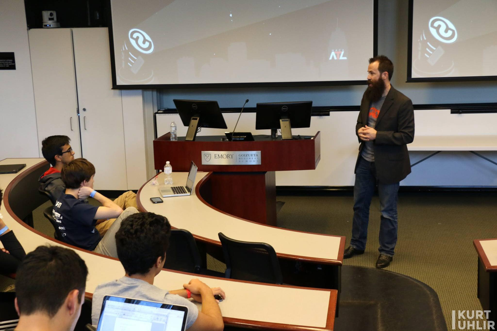 Kurt Uhlir speaking at Emory for HackATL on how to pitch your company